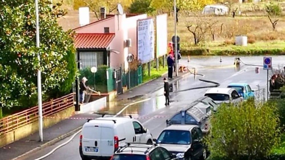 Allagamenti ad Arezzo: strade chiuse e piante crollate - ArezzoNotizie